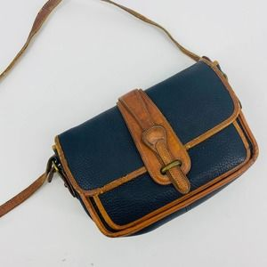 Dooney & Bourke Blak Vintage Leather Crossbody Bag